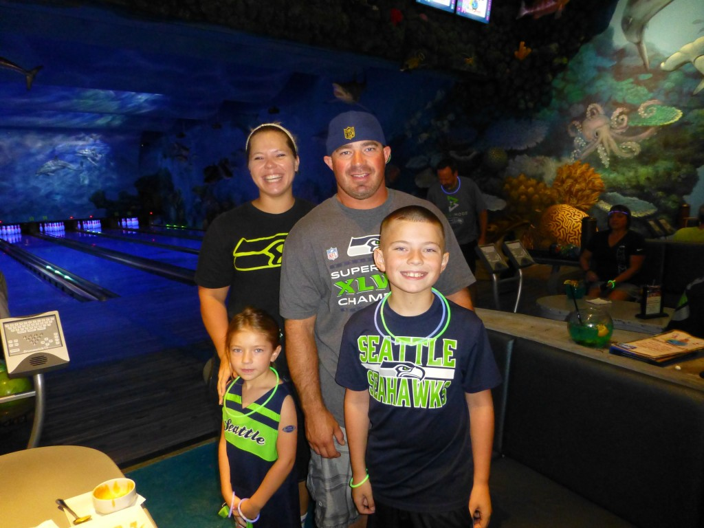 Another happy Seahawks family.